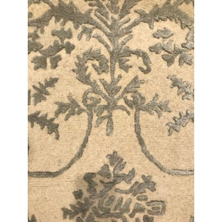 Safavieh Cream and Light Gray Scrolls Wool Rug - 2' x 3' Preview