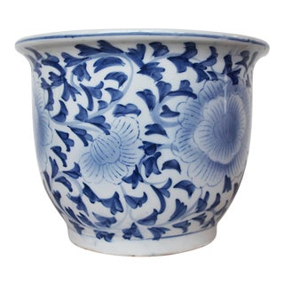 Vintage Large Chinese Porcelain Jardiniere, White and Blue For Sale