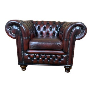 Vintage Mid-Century English Leather Chesterfield Club Chair For Sale