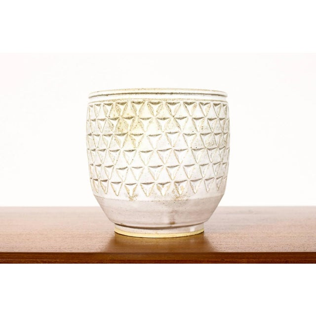 Christian Boehr Ceramic Stoneware Planter — Large Delta Pattern —White Glaze — P38 For Sale - Image 4 of 5
