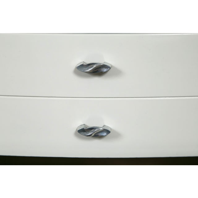 Grey Lacquer Mid-Century Hollywood Dresser - Image 6 of 8