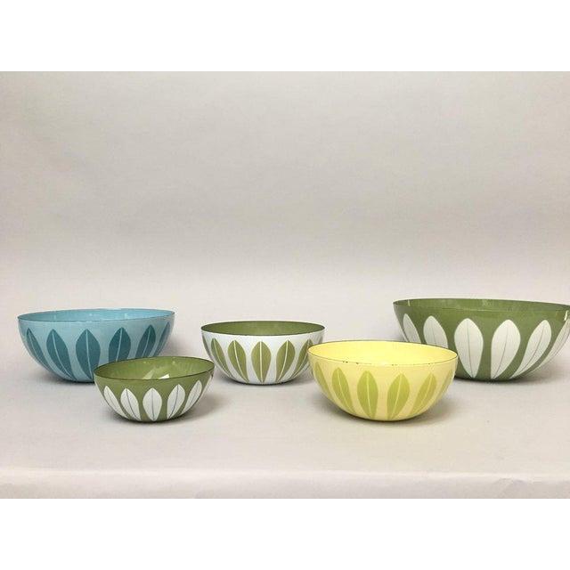 Danish Modern Cathrineholm Scandinavian Modern Enamel Nesting Bowls - Set of 5 For Sale - Image 3 of 11