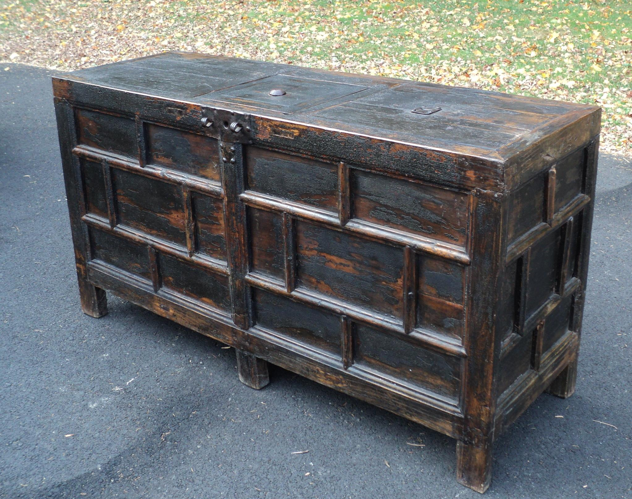 Antique Primitive Chinese Storage Chest   Image 3 Of 11