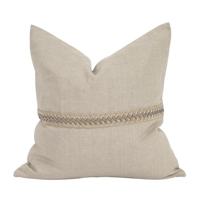 "Contemporary Kenneth Ludwig Chicago Prairie Linen 20"" Pillow With Deco Trim For Sale - Image 3 of 6"