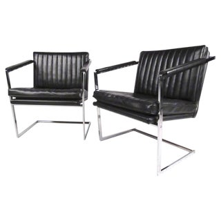 Pair of Vintage Modern Cantilevered Side Chairs For Sale