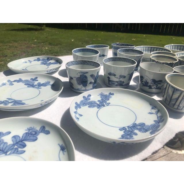 Gray 18th Century Edo-Period Japanese Arita Porcelain Dinnerware, 21 Pieces For Sale - Image 8 of 12