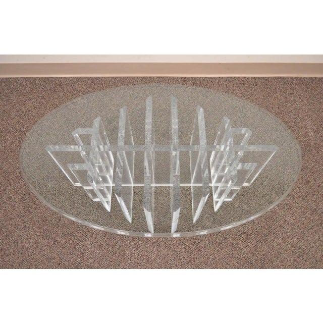 Mid-Century Modern 1960s Mid Century Modern Sculptural Lucite Grid Oval Coffee Table For Sale - Image 3 of 11