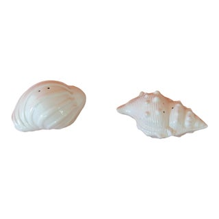 Pair of Vintage White Seashells Salt and Pepper Shakers For Sale
