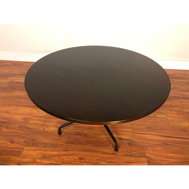 Mid-Century Modern Ray and Charles Eames Circular Mahogany Dining Table by Herman Miller For Sale - Image 3 of 9
