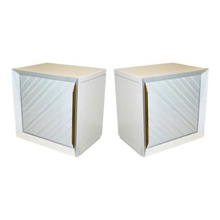 Frigerio 1970s Italian Pair of White Lacquered Wood Side Tables / Nightstands For Sale