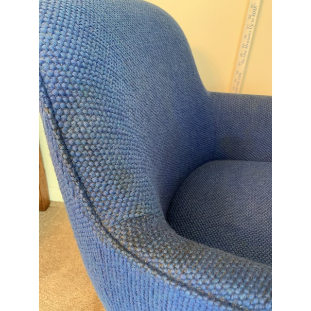 1970's Steelcase Mid-Century Blue Swivel Barrel Chair For Sale - Image 11 of 12