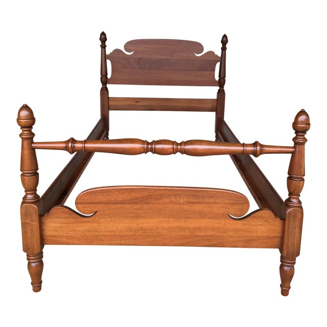 Vintage Mahogany Chippendale Style Twin Accorn Poster Bed For Sale
