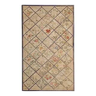 """Antique American Hooked Rug 3'0"""" X 5'0"""" For Sale"""