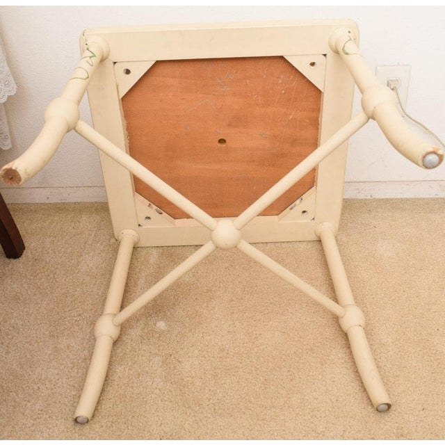 2000's Vintage Style Freehand Painted Wooden Vanity Bench in Vanilla White For Sale - Image 4 of 6