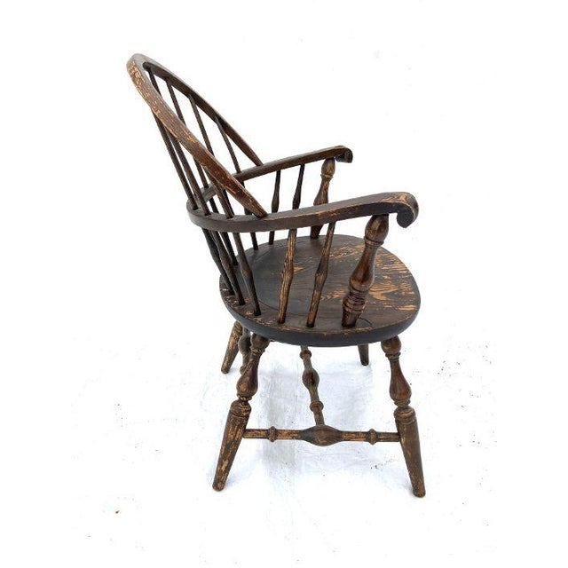 1980s Vintage Nichols and Stone Rockport Windsor Rustic Farm House Style Chair For Sale - Image 5 of 8