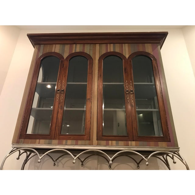 20th Century Traditional Guildmaster Mahogany Striped Curio/China Cabinet For Sale - Image 9 of 13