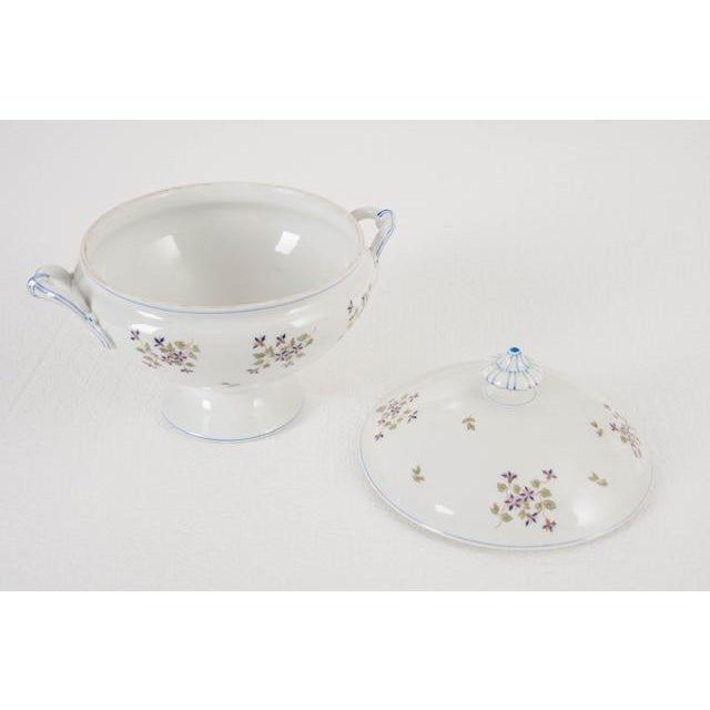 Early 20th Century French Old Paris Porcelain 'Cornflower' Pattern Tureen For Sale - Image 5 of 8