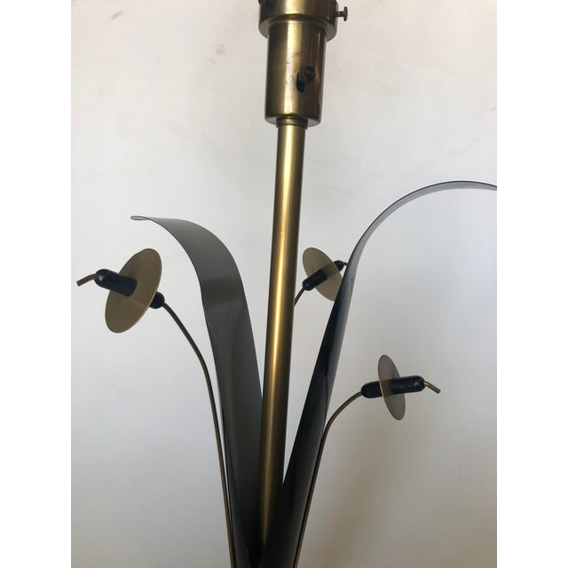1950s Pair of Mid Century Brass and Black Metal Willow Table Lamps For Sale - Image 5 of 11