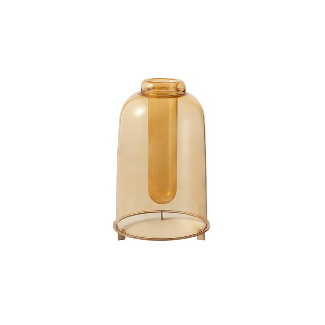 THE SHORT is a small blown glass vase with a handmade satin-finished brass base designed by Neri & Hu for Paola C. The...