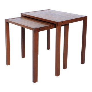 1960s Danish Modern Teak Nesting Tables With Dovetail Joints - Set of 2 For Sale