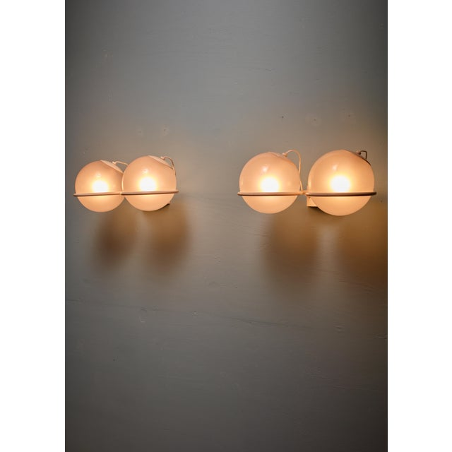 Arteluce Rare Gino Sarfatti Pair of '237-2' Sconces in White and Opaline, Arteluce, 1950 For Sale - Image 4 of 6