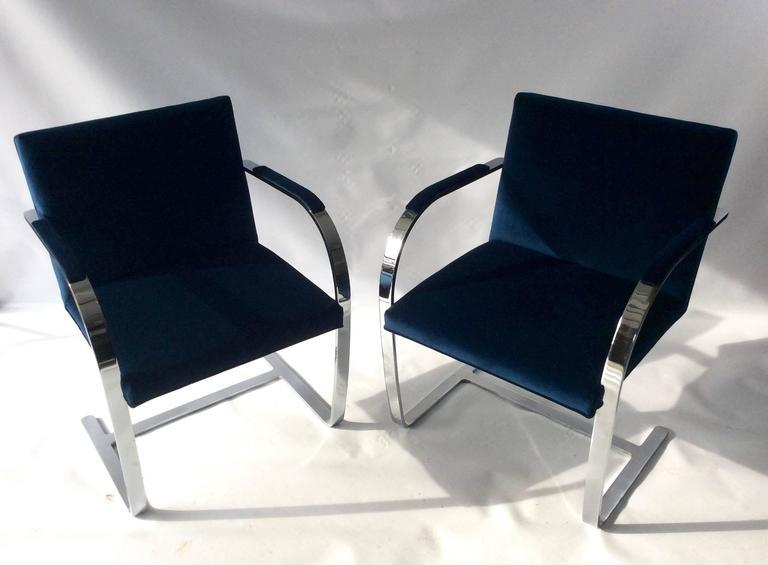 A Striking Pair Unmarked Vintage BRNO Cantilevered Chairs, Attributed To  Mies Van Der Rohe.
