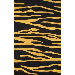 "Modern Rug - 5' X 7'10"" For Sale"
