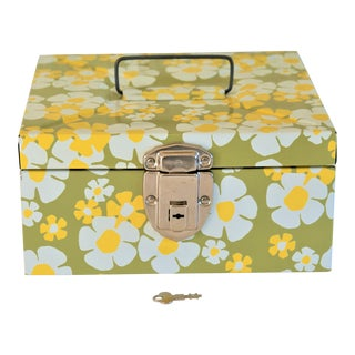 Vintage Daisy Metal File Box For Sale