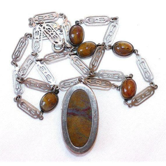 Vintage Arts & Crafts Sterling and Agate Cabochon Necklace For Sale - Image 4 of 5