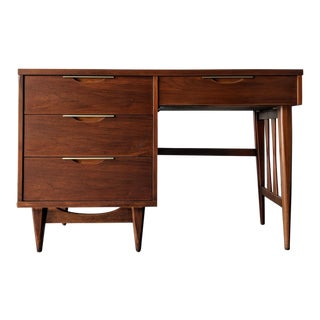 1960s Mid-Century Modern Kent Coffey Walnut Tableau Desk For Sale