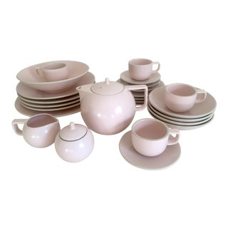 Vintage 1980's Post Modern Sasaki Japan Massimo Vignelli Matte Pink Colorstone Ceramic Dinnerware - 27 Piece Set For Sale