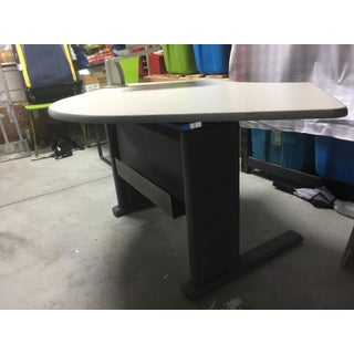 Knoll Corner Intersection Counterforce Conference Table Preview