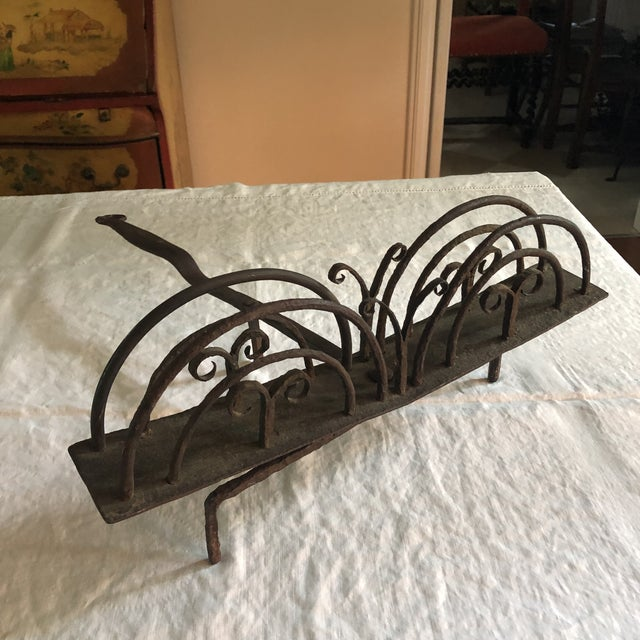 Metal 18th Century American Colonial Hand Forged Wrought Iron Rotary Bread Toaster For Sale - Image 7 of 13