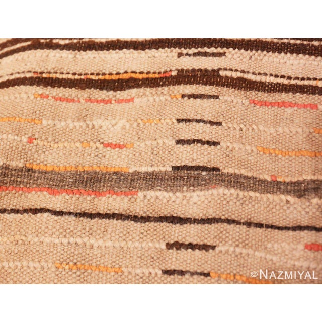 Vintage Moroccan Rug - 4′8″ × 9′2″ For Sale In New York - Image 6 of 7