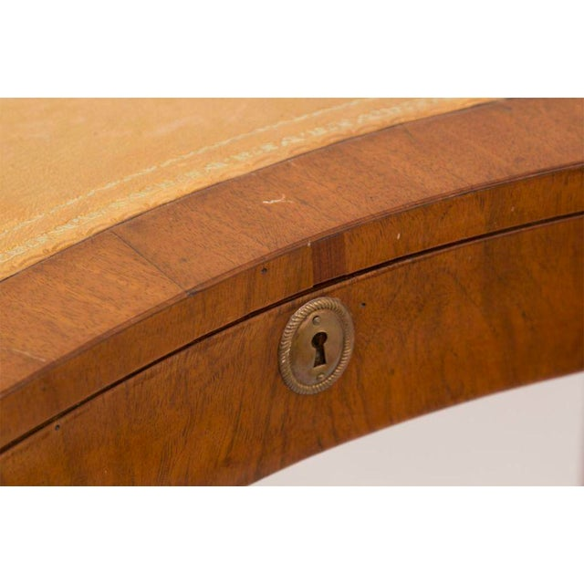 Walnut 19th Century French Directoire Walnut Kidney Shaped Table For Sale - Image 7 of 7