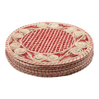 Red and Cream Round Iraca Fibre Placemats - Set of 8 For Sale