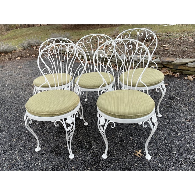 Metal Vintage Woodard Round Dining Table and Chairs -Set of 6 For Sale - Image 7 of 13