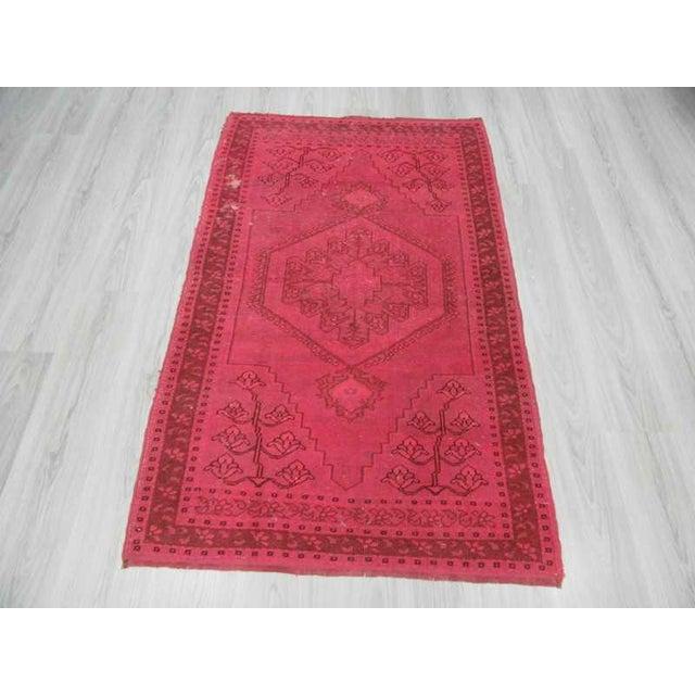 Mid-Century Modern Vintage hand-knotted decorative modern fushia overdyed Turkish area rug For Sale - Image 3 of 6