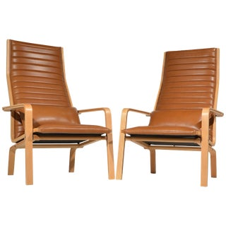 Arne Jacobsen Saint Catherine's Chairs in Cognac Leather - a Pair For Sale