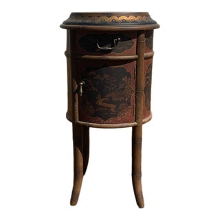 Chinoiserie Round Painted Accent Table For Sale