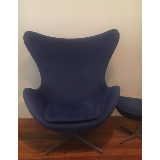 1980s Arne Jacobsen for Fritz Hansen Egg Lounge Chair & Ottoman Mid Century Modern For Sale - Image 5 of 9