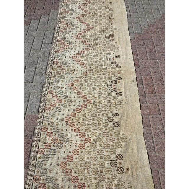 """Rug & Kilim Vintage Turkish Natural Kilim Runner-2'9'x10'11"""" For Sale - Image 4 of 13"""
