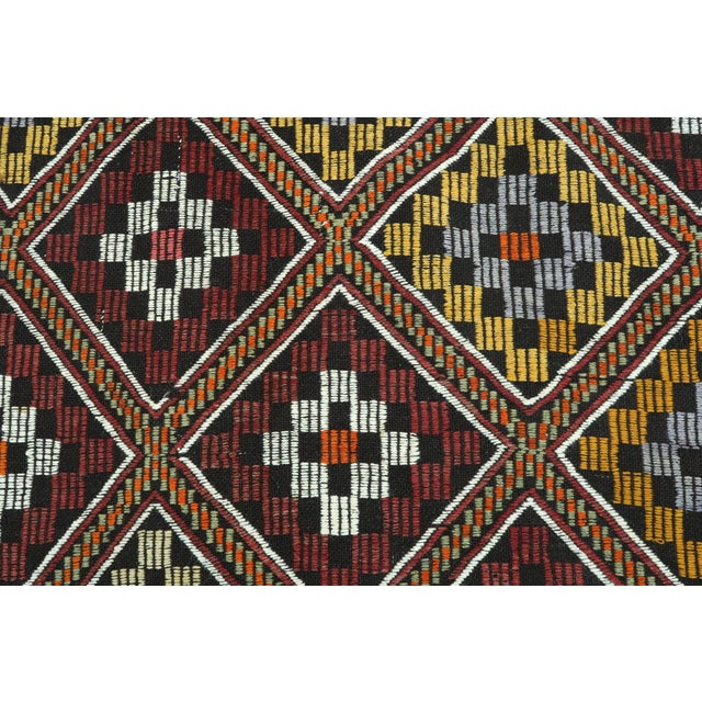 Vintage Turkish Antalya Embroidered Kilim Rug- 4′8″ × 9′7″ For Sale - Image 9 of 13