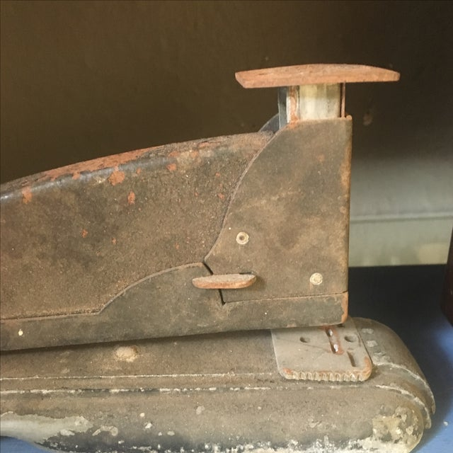 Vintage Industrial Rusty Stapler - Image 3 of 7