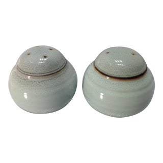 Vintage Seafoam Green Ceramic Pottery Salt and Pepper Shakers by Noritake - Set of 2 For Sale