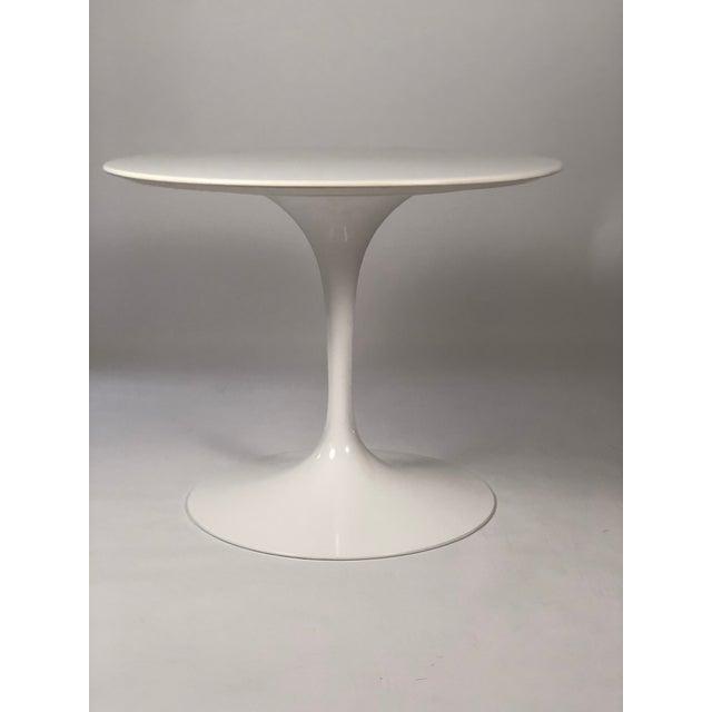 HighEnd Round Knoll Saarinen Pedestal Table DECASO - Knoll pedestal table