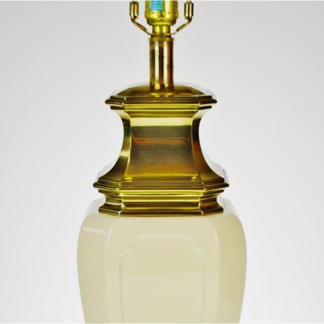 Vintage Stiffel Porcelain & Brass Table Lamp For Sale - Image 5 of 10