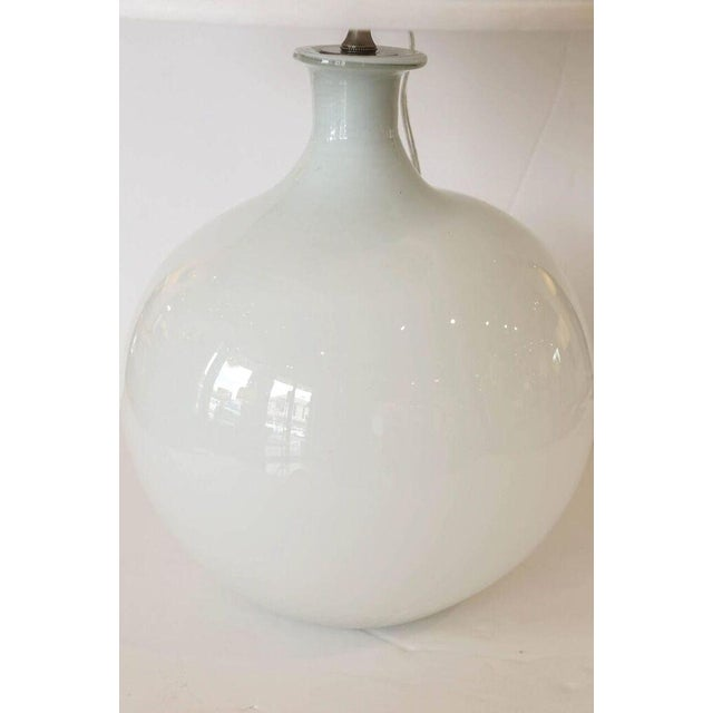 Exquisite Vintage White Glass Vase As Custom Table Lamp Decaso