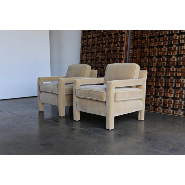 Milo Baughman 1970's Parsons Lounge Chairs in Mohair - a Pair For Sale - Image 4 of 13