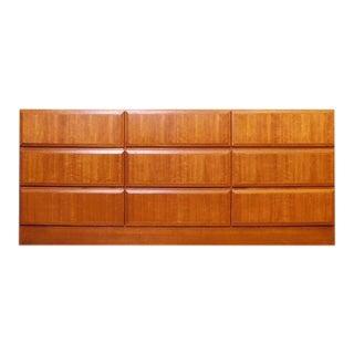 Danish Modern Nordisk Eksport Teak 9 Drawer Dresser \ Credenza